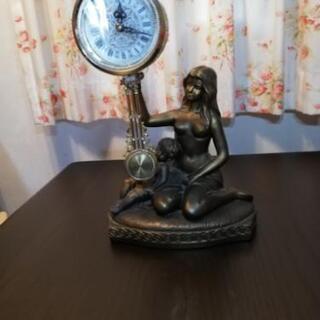 母子像の置き時計