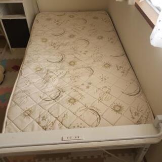 ニトリのシングルベッドとマットレス