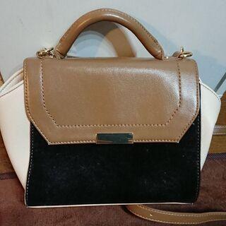 小さめバッグです。
