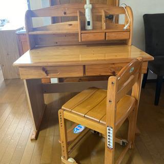 木製学習机と椅子とライト3点セット 取り引き中