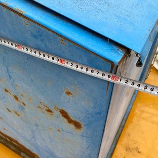 残り1台 大型 ゴミ箱  重量物60kぐらい  - 豊川市