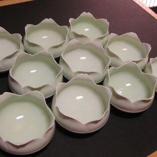 超極薄 青磁 花形小鉢 10客 新品未使用