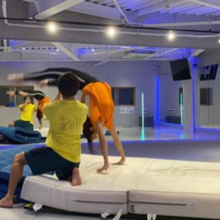 まずは無料体験!アクロバット・ダンス!大阪塚本駅徒歩30秒