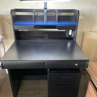 新品の学習机です。男の子専用!ブラックでカッコいいですよ!…