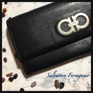 [Salvatore Ferragamo]二つ折り長財布 黒 フ...