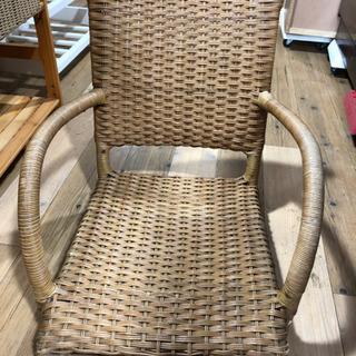 お買得‼︎   人気商品 肘掛け付 座椅子 チェア 木製 リラッ...