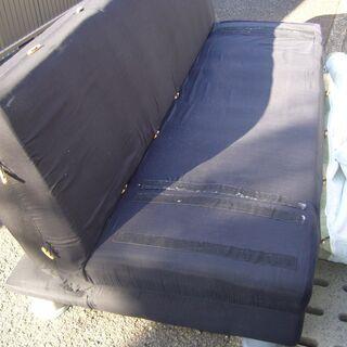 カバーをかける仕様のソファーベッド