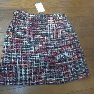 新品、Sサイズの短めのスカートです。