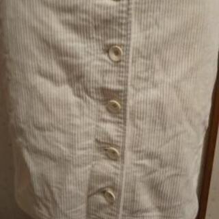 ユニクロ コーデュロイタイトスカート ホワイト