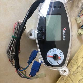 キタコのデジタルスピードメーターアドレスV125/G