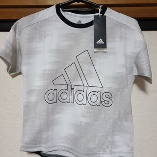 adidasTシャツ 新品、未使用タグ付き