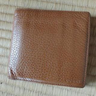 【ネット決済・配送可】GUCCI 二つ折り財布