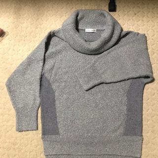 ANELA LUX のタートルネックセーター