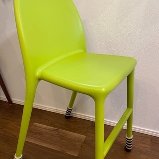 IKEA 子供用椅子 無料の画像