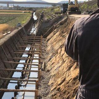 白石町の現場にて土木工事・水道工事の手元作業員、重機オペレーター...