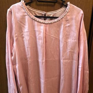 ブラウス ピンク色