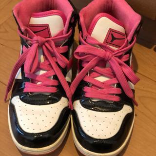 【取引決定】ハイカット✴︎スニーカー23.5 - 靴/バッグ
