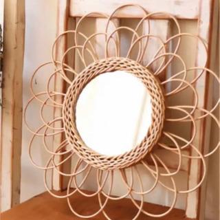 サリュ フラワー鏡 ラタン