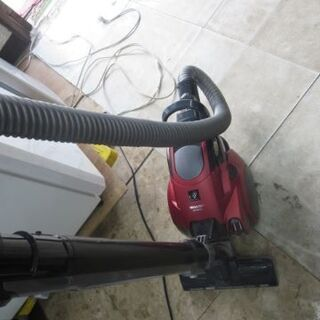 シャープ掃除機2013年製 EC-RX210-R 赤