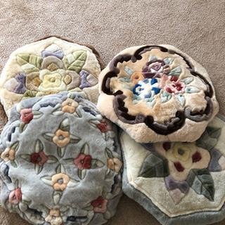 お花柄の座布団