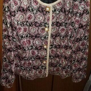 刺繍がゴージャスなミセス向きジャケット