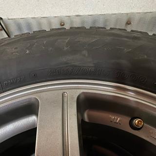 スタッドレスタイヤ 215/70 R16 PCD114.3