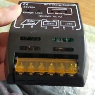 【ネット決済・配送可】バッテリーソーラーパネルコントローラ