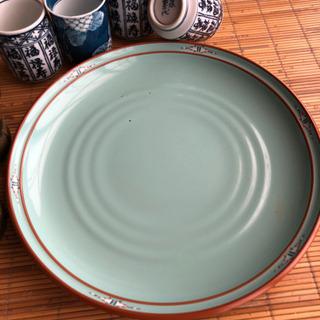 大皿、湯呑みの画像