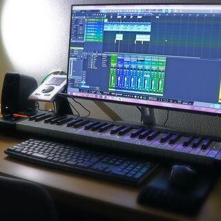 楽曲作ります。
