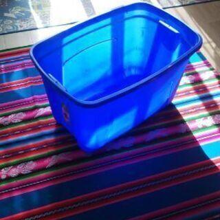 プラスチック製ボックス