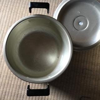 【ネット決済・配送可】USED 両手鍋❗️1
