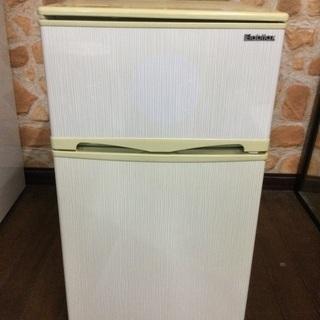 ✳️小さめの冷蔵庫✳️96ℓ 2015年製✳️天板に色褪せ…