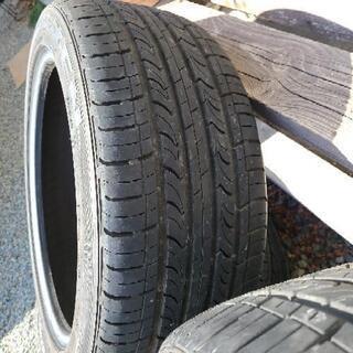 タイヤ 溝あります。