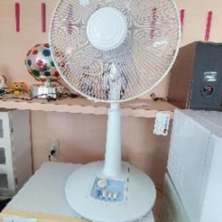 扇風機1300円別館倉庫浦添市安波茶2-8-6に置いてます