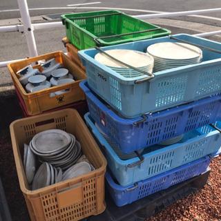 無料回収 食器、壺、(陶器) 金属スクラップ