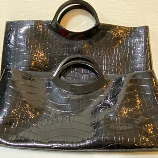 エナメル ハンドバッグ ブラック 2点の画像