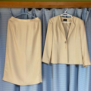 サイズ大きめ、スーツ、ロングスカート(中古)