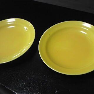 黄色の小皿 2枚セット 200円