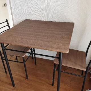テーブル 椅子2つ