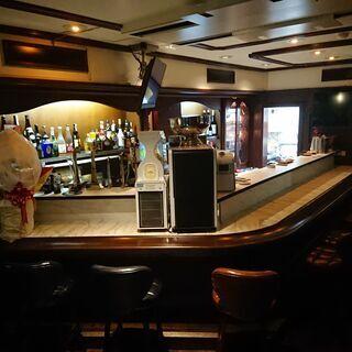 三宮東門と北野坂の間一階で立ち飲み店をオープンします。アルバイト...