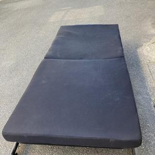 折畳みベッド