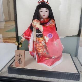 ケース付き人形