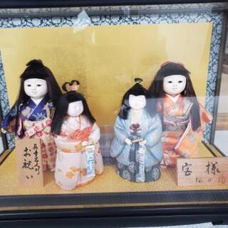 ケース入りの人形セット