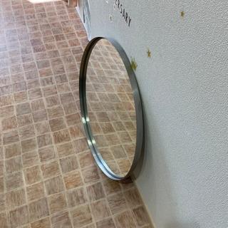 イケアで買った丸い鏡 300円