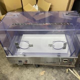 インキュベーター 保育器