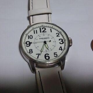 ◆HIDE AWAYS◉,全ホワイト腕時計、順調に稼働中、使用品...