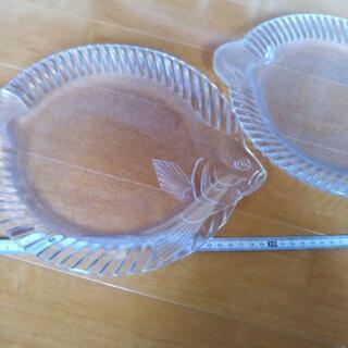 ガラス皿2枚