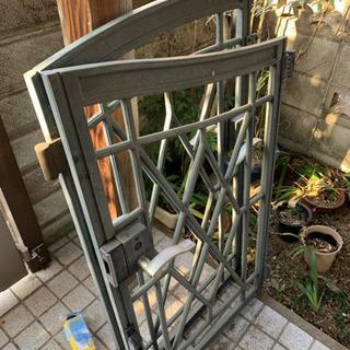 鋳物の門扉
