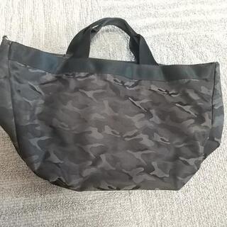 グローバルワークの迷彩柄のバッグです!
