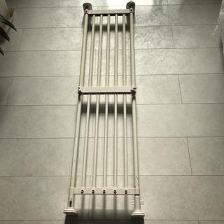 洗面所・トイレ内用 突っ張り棚 中古品 サイズおよそ1100mm...